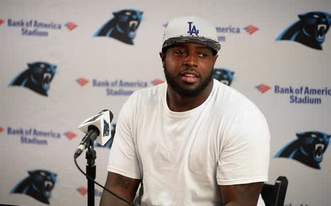 Panthers sign Pro Bowl DT Short to 5 year deal