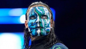 Jeff Hardy has signed a new WWE contract