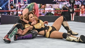 Whsat happened at the end of the match between Asuka and Mickie James