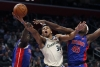 Antetokounmpo scores 33, leads Bucks to rout of Pistons