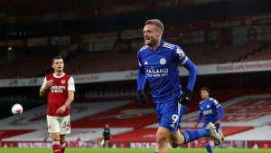 Arsenal v Leicester City: Substitute Vardy ends Gunners' unbeaten home run