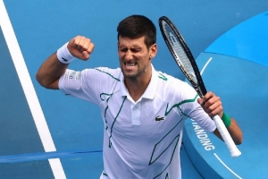 Defending champion Djokovic into quarter-finals at a canter