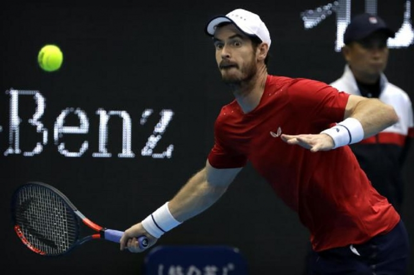 Murray rallies to win in first round in Shanghai