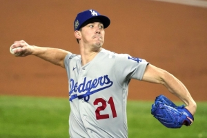 Buehler, Dodgers avoid arbitration with $8M, 2-year deal