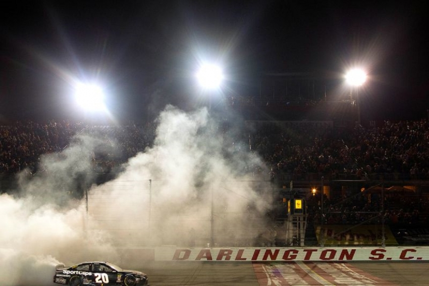 Darlington Raceway revs up for NASCAR's return