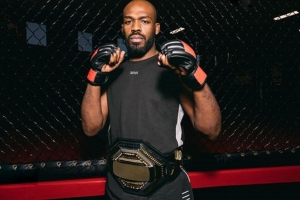 Jones teases multiyear holdout, expects UFC deal