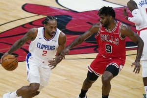 Los Angeles Clippers v Chicago Bulls:  Leonard scores 33 as Clippers beat Bulls