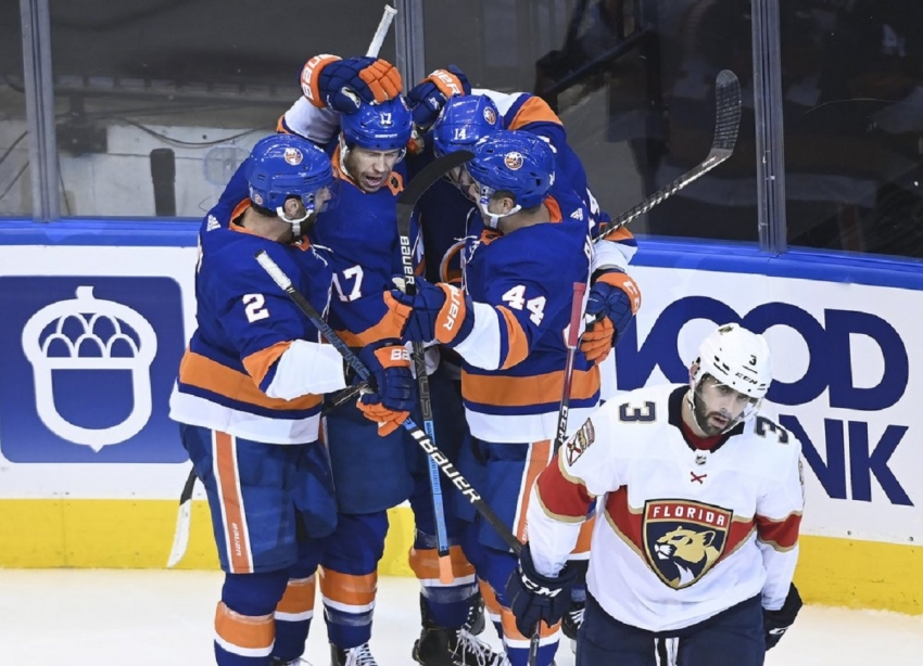 Eberle scores 2 in Islanders' win over Panthers