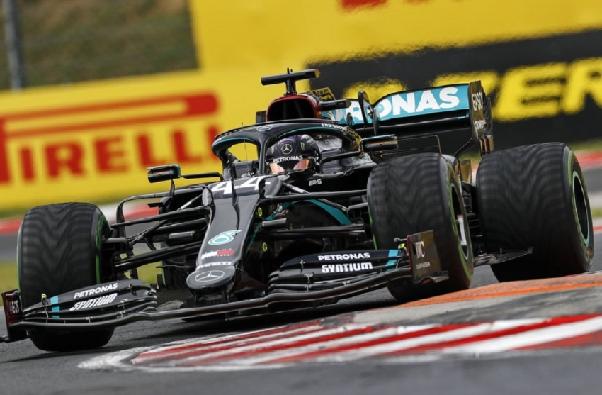 Hamilton wins 8th Hungarian GP to equal Schumacher F1 record