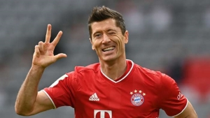 Bayern Munich v Eintracht Frankfurt: Lewandowski hat-trick and Sane stunner clinch resounding Bundesliga win