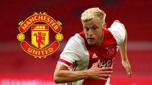 Manchester United has signed Ajax startlet Donny van de Beek for £ 35M;