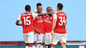 Aubameyang fires Gunners through to FA Cup final