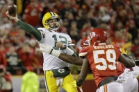 Rodgers, Jones star for Packers in victory over Chiefs