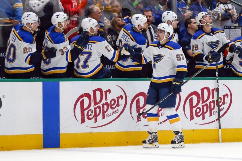Blues chase Bishop early, rout Stars in West showdown