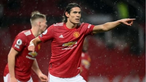 Manchester United v Chelsea: Cavani debuts in dour draw