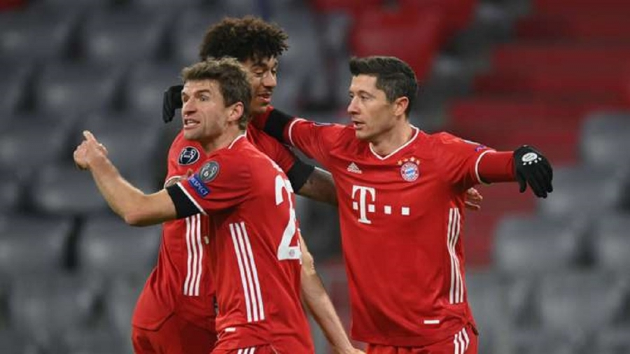 Bayern Munich v Salzburg: Lewandowski joins elite company as Bayern Munchen seal last-16 spot