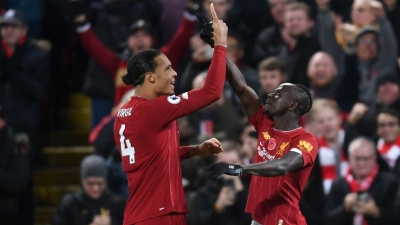 Ruthless Reds take command of title race