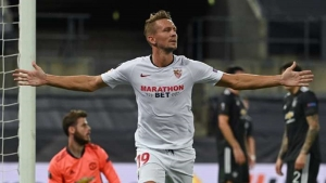 De Jong sends Sevilla past Man Utd into Europa League final
